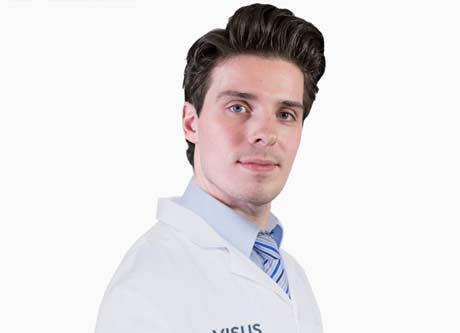 Haartransplantatie adviseur die kennis heeft over verhelpen van kaalheid mannen en vrouwen